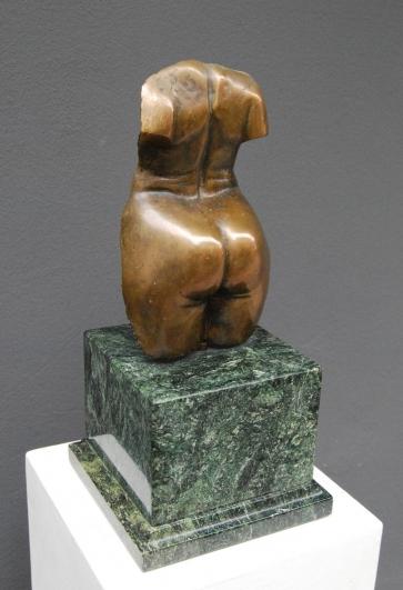 Torsas-bronza-h-35cm-1950-Eur-63f115c46d81573e2cb4bc73d3d13c0a.jpg